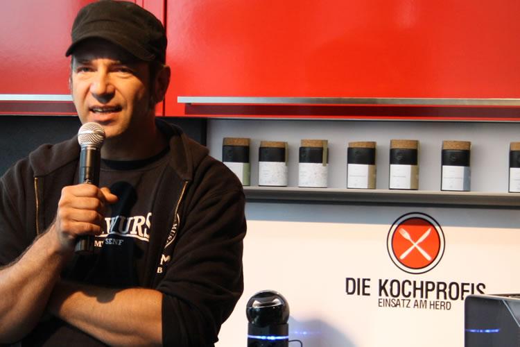 Pfeff moderiert mit RTLII Kochprofi Ole Plogstedt | Pfeff-online | {Die kochprofis-küche 76}